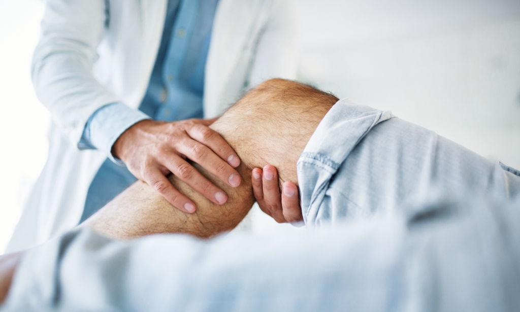a physiotherapy help a man